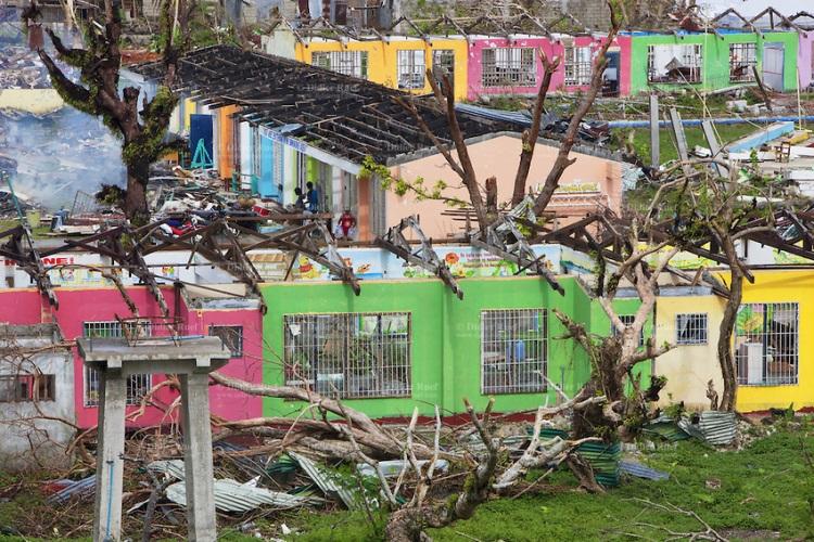 Aftermath typhoon Haiyan. Public school. Ripped rooftop. Destruction.